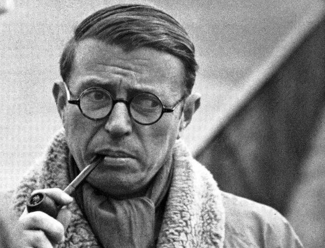 Jean Paul Sartre. Dopo un periodo di vicinanza con Camus, i due entrarono i contrasto per divergenze politiche.