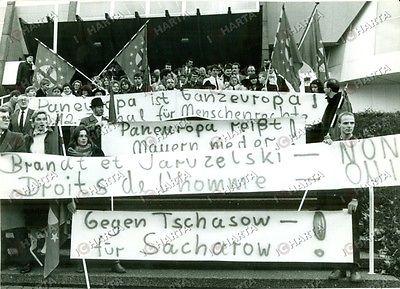 Manifestazione del 1985 a Strasburgo per chiedere la liberazione di Sacharov.