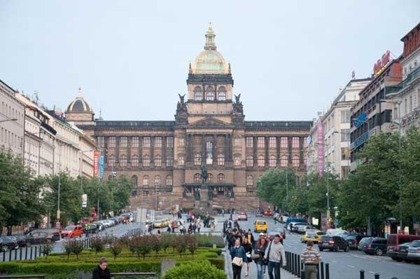 Praga. Piazza San Venceslao