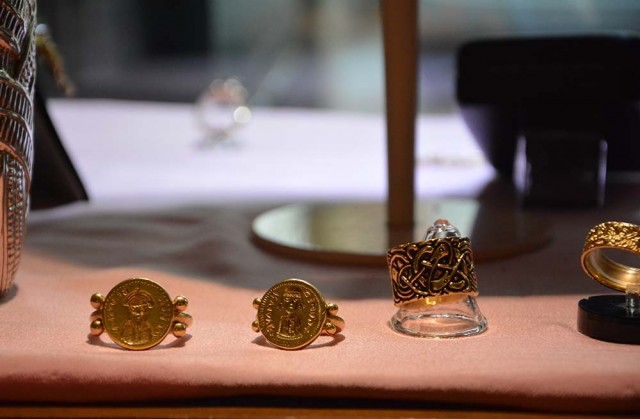 Riproduzione di anelli sigillari longobardi