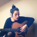 levante-suona-la-chitarra