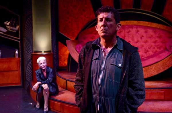 Claudio Casadio interpreta il ladro Adelmo