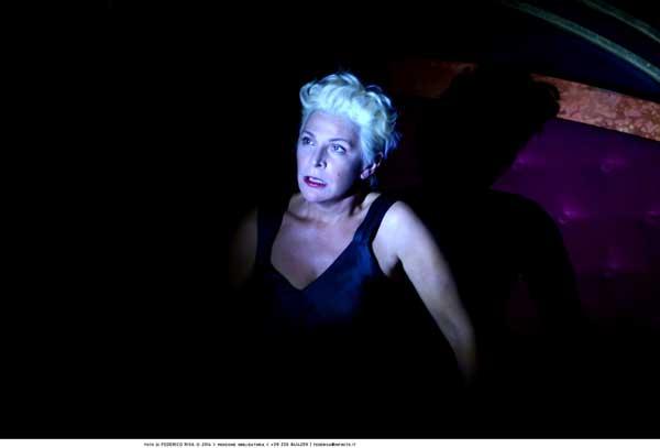 Pamela Villoresi interpreta l'ex croupier Lise