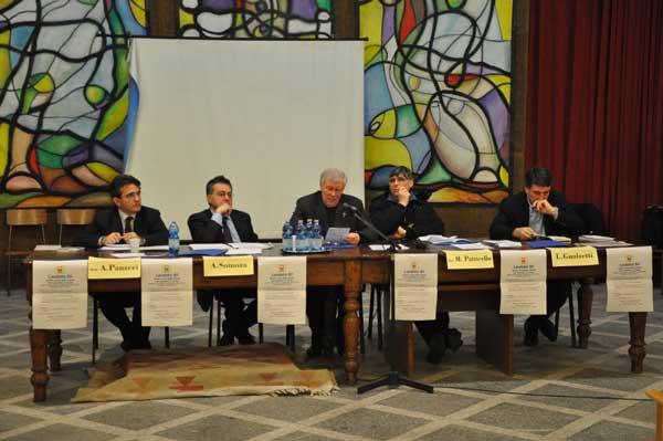 Da sinistra: Alfredo Somoza, Fabrizio Annaro, Mons Silvano Provasi, don Maurizio Patriciello, Luciano Gualzetti