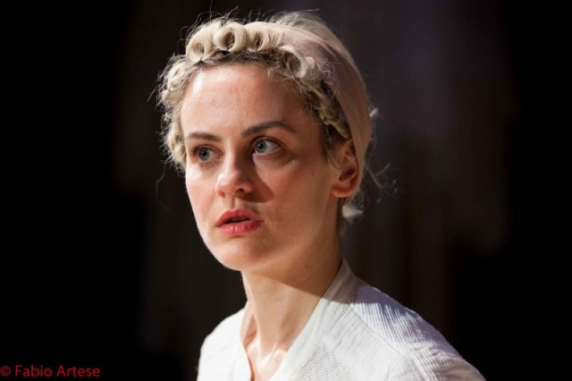 Marina Rocca interpreta Eugenia
