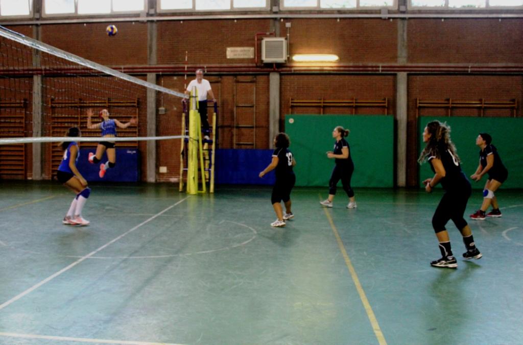 torneo-pallavolo-upf-20-azione