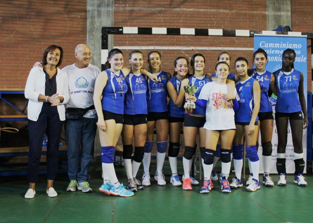 Le vincitrici del torneo: le ragazze della Stella Azzurra di Malnate