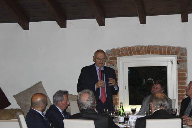 """Stefano Zamagni parla agli imprenditori della Brianza: """"siamo in una fase storica   di cambiamento epocale - spiega l'economista di Bologna - tocca agli imprenditori traghettare la società verso lidi migliori"""