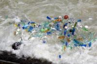 In un mare…di plastica
