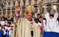 Tettamanzi, il cardinale che salutava tutti, uno per uno