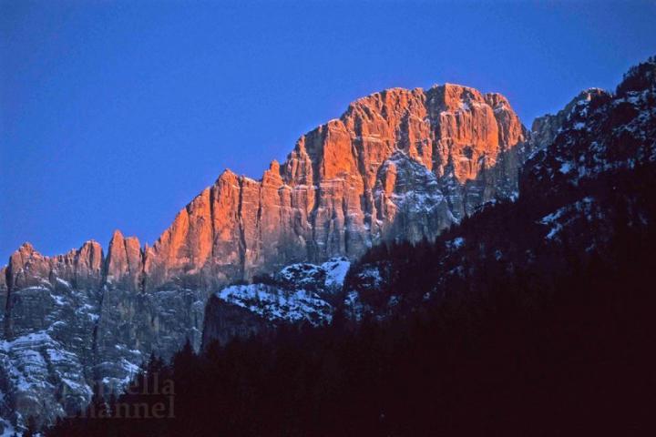 A Mel nelle Dolomiti bellunesi, rifugio di Buzzati