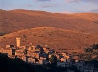 Santo Stefano di Sessanio, il borgo resuscitato