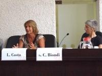 Lella Costa: femminicidio, una parola orrenda