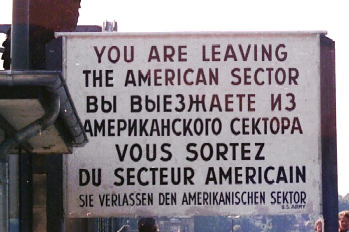 Berlino Checkpoint Charlie