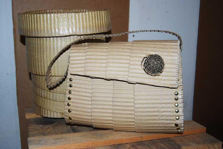 La borsetta di cartone premiata al Macef