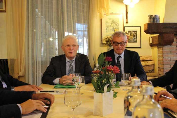 Da sinistra: Silvano Camagni, presidente BCC Valle del Lambro e Pier Angelo Moscatelli direttore generale