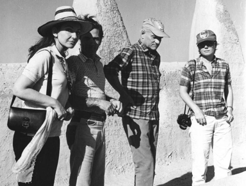 Da sinistra: Maria Callas, Pier Paolo Pasolini, Alberto Moravia e Dacia Maraini, nel corso di un viaggio in Africa