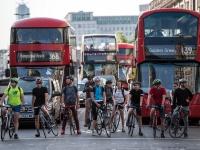 Come stimolare l'uso delle biciclette in città?